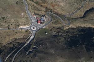 vista-aerea-del-puerto-de-la-cruz-verde-en-la-carretera-de-avila-a-el-escorial_50669649